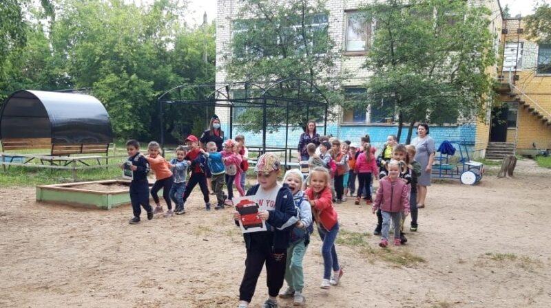 В Кимрах сотрудники Госавтоинспекции провели занятие с дошкольниками