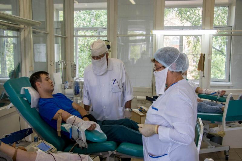 Сотрудники Тверских подразделений МЧС стали донорами крови