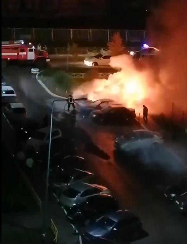 Ночью в Твери горели три автомобиля