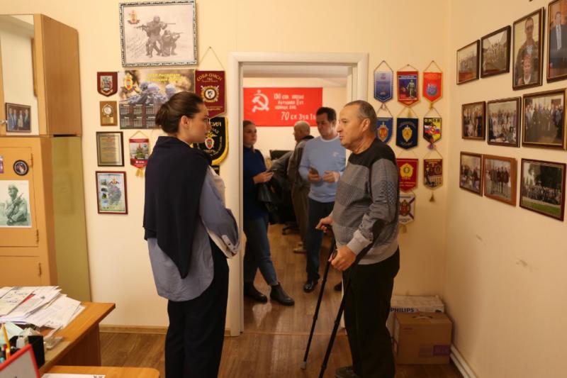 Герои нашего времени: Юлия Саранова встретилась с ветеранами войны в Афганистане