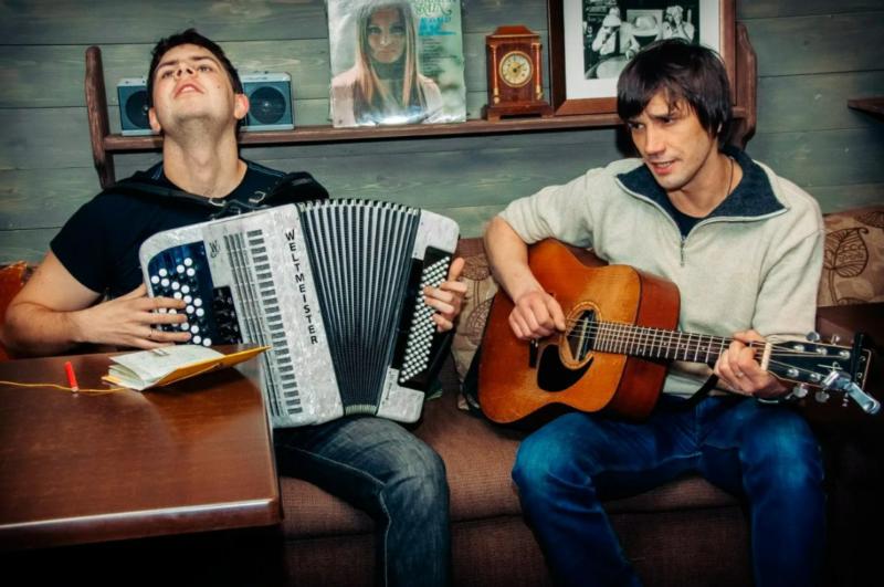 Концерт петербургских музыкантов Максима Ермачкова и Александра Сомова пройдет в «Биг Бене»