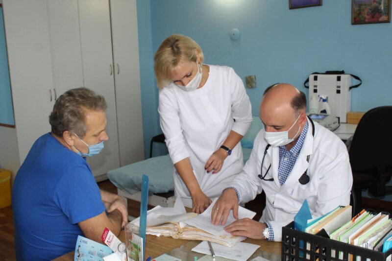 В Тверской области команды врачей продолжают работу в районах
