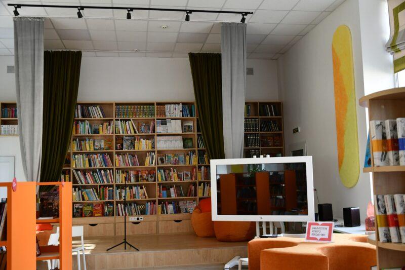 В Андреаполе открылась модельная библиотека