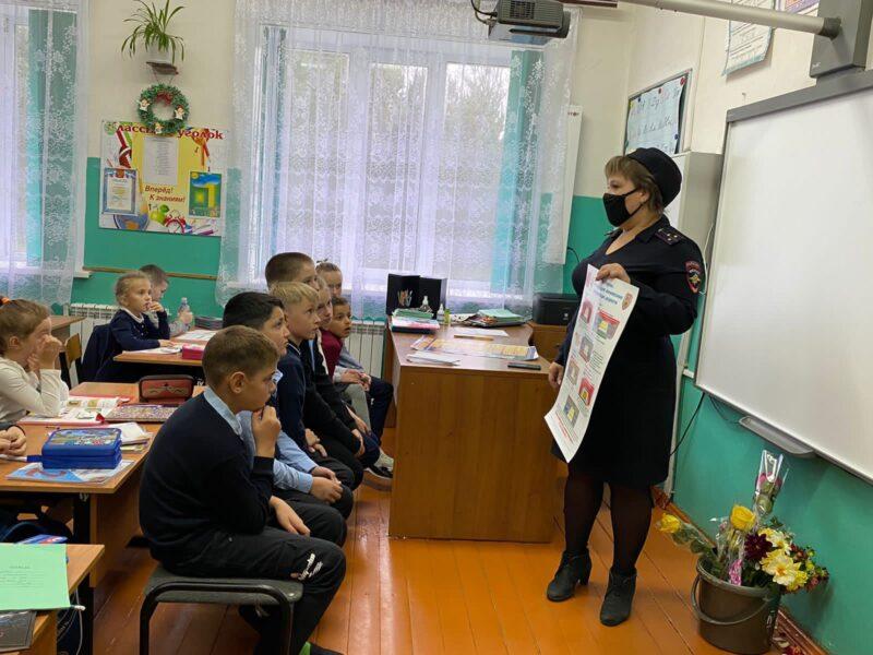 В Хорошевской школе Ржевского района прошло мероприятие «Засветись - стань заметен на дороге»