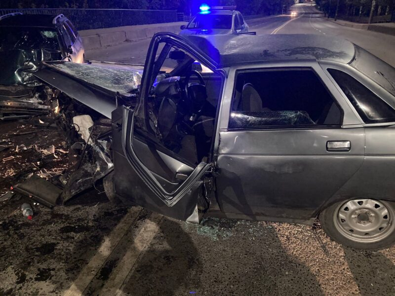 В Тверской области при столкновении двух автомобилей пострадали оба водителя