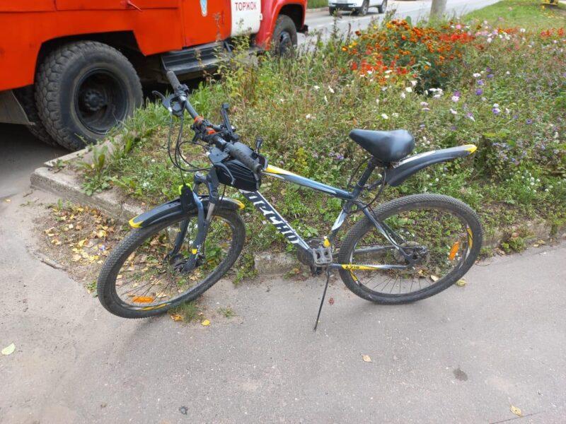 В Тверской области иномарка сбила велосипедиста