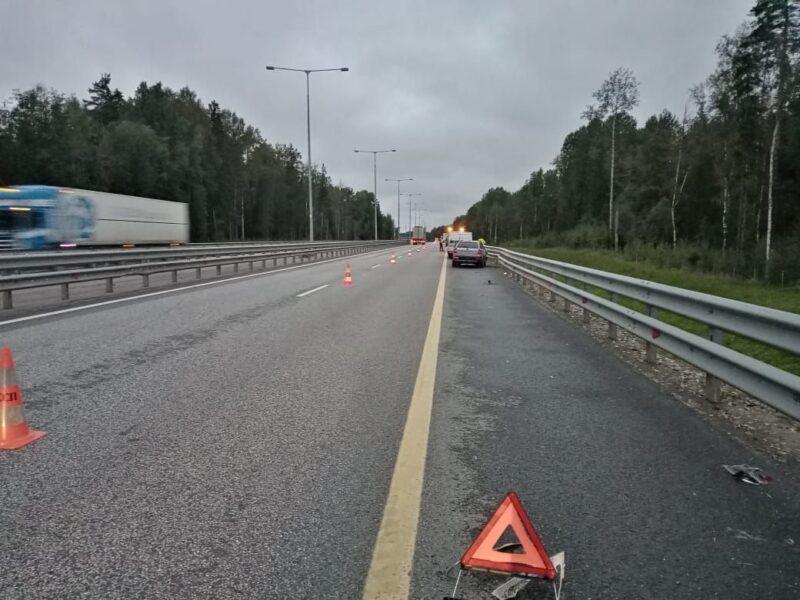 В Тверской области водитель заснул за рулем и врезался в фуру