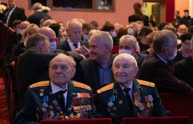 Заслуженные жители Тверской области поддержали стратегию развития региона Игоря Рудени