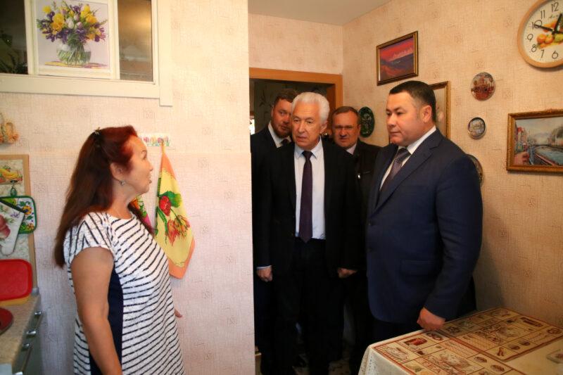 Игорь Руденя проверил качество питьевой воды в жилых домах Ржева
