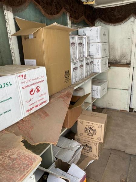 В Твери обнаружен склад с нелегальной алкогольной и табачной продукцией