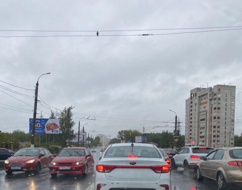 В Твери в пробке стоит Волоколамский проспект