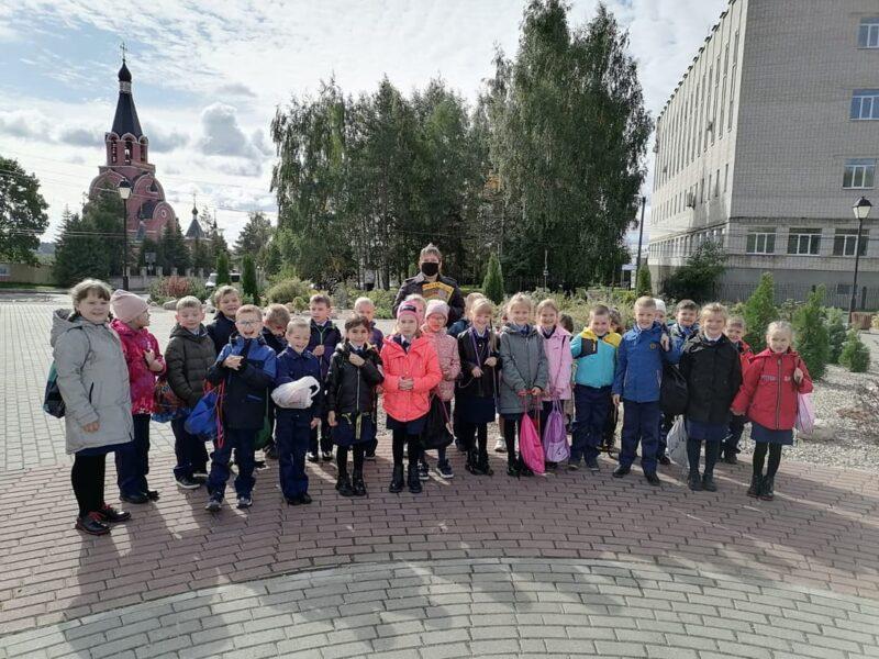 В Ржеве школьников научили выбирать безопасный маршрут до дома