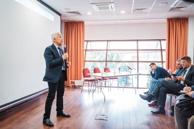 Владимир Васильев обсудил с общественниками дальнейшие преобразования Константиновского карьера
