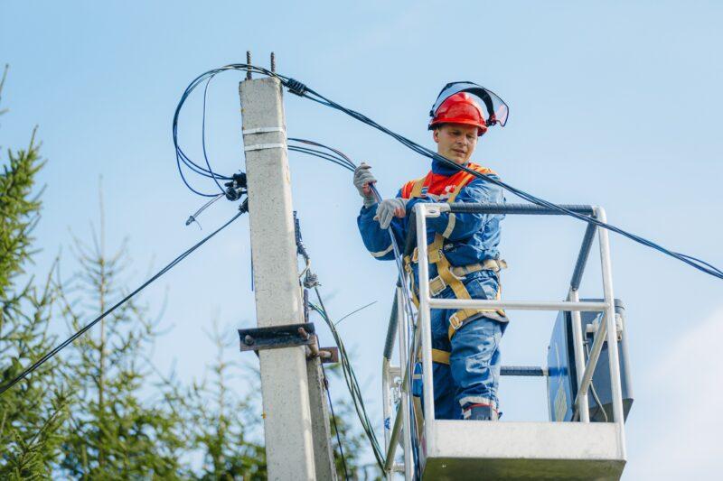Тверские энергетики «Россети Центр» получили благодарность за улучшение электроснабжения деревни Долматово