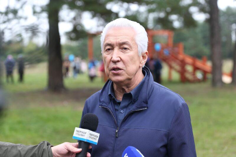 В микрорайоне Дорошиха по инициативе Владимира Васильева для жителей была построена спортивная детская площадка