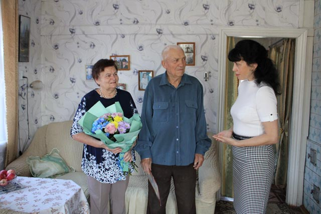 Супружеская пара из Западной Двины отметила юбилей своей истории любви