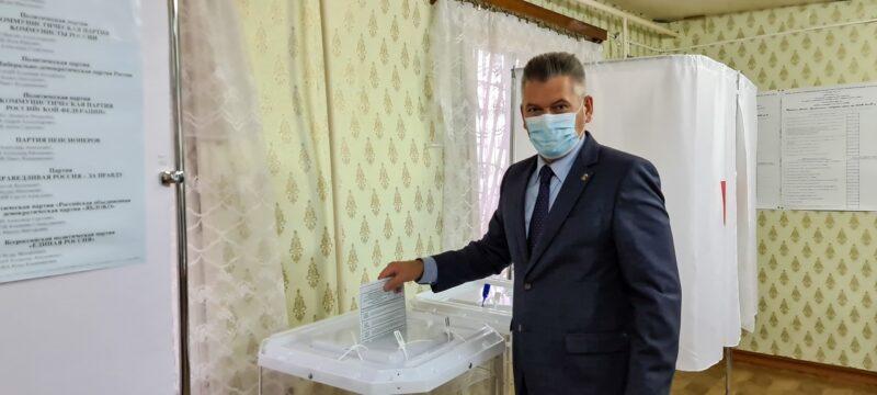 Глава Удомельского городского округа проголосовал на выборах