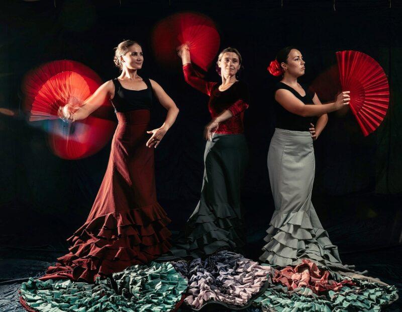 На сцене тверского Дома культуры станцуют танцы Испании