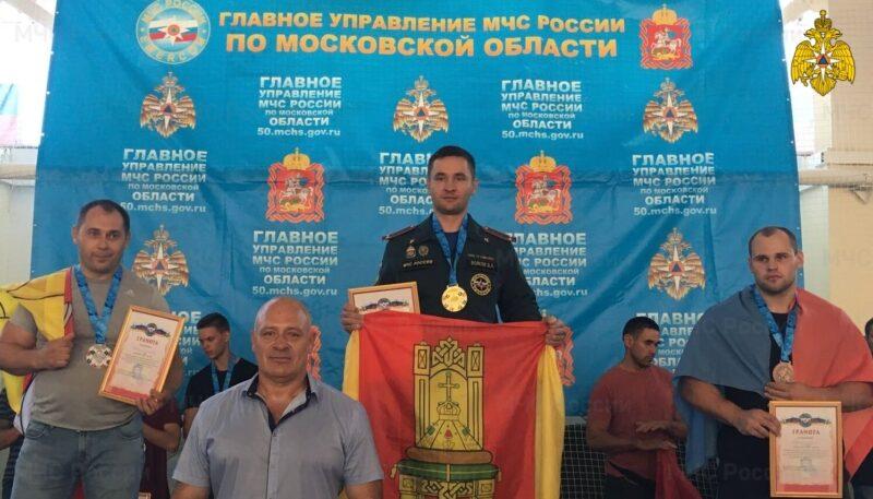Сотрудник ГУ МЧС по Тверской области занял первое место на соревнованиях гиревому спорту в Серпухове