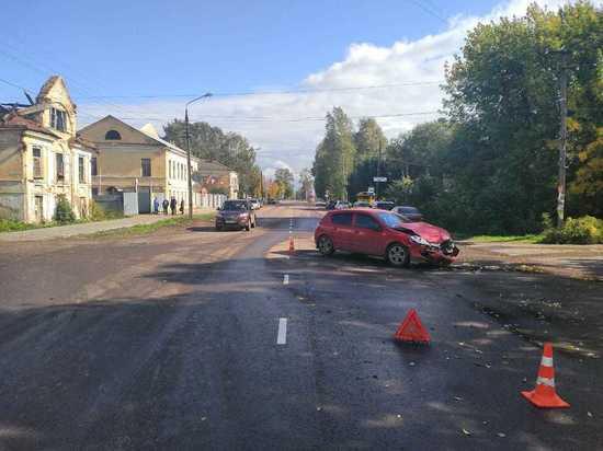 В Тверской области в аварии женщина-водитель заработала ушиб плеча