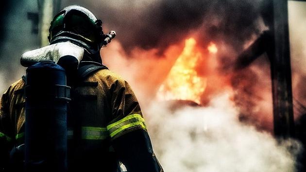 В Твери загорелся гараж из-за нарушения правил безопасности