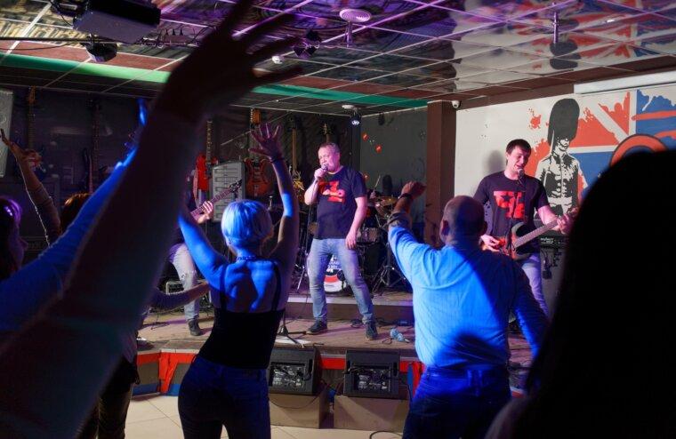 В тверском клубе с первым сольным концертом выступит группа Че