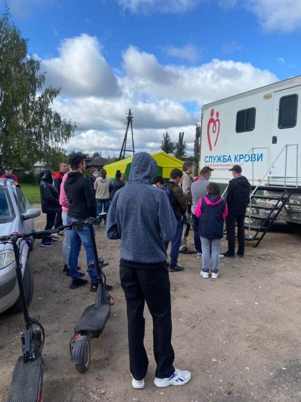 Мобильная станция переливания крови собрала в очередь жителей Кувшиново