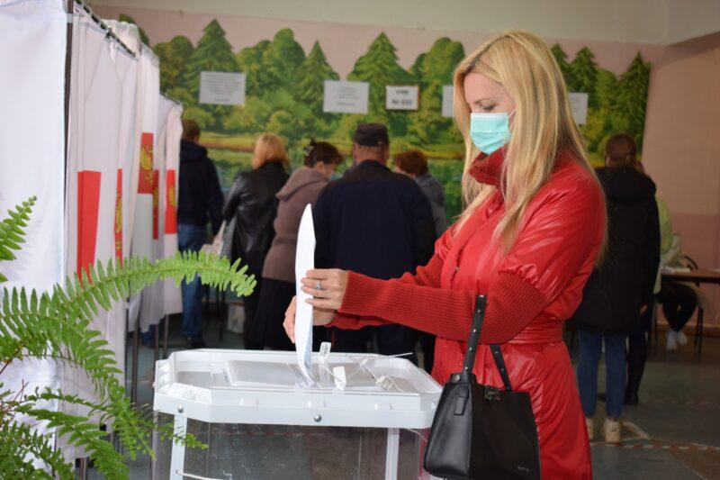 лава Оленинского МО и председатель местной Думы проголосовали на выборах