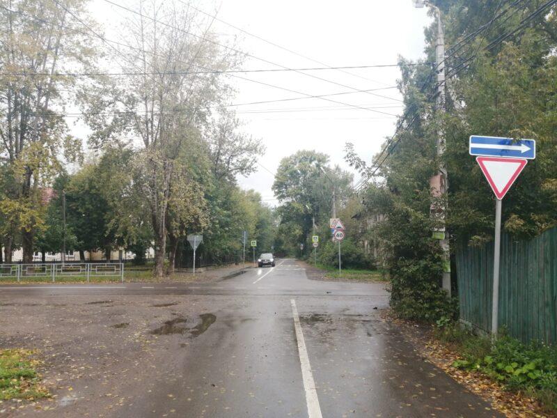 В Твери столкнулись автомобили Хендай и Лада, есть пострадавшие