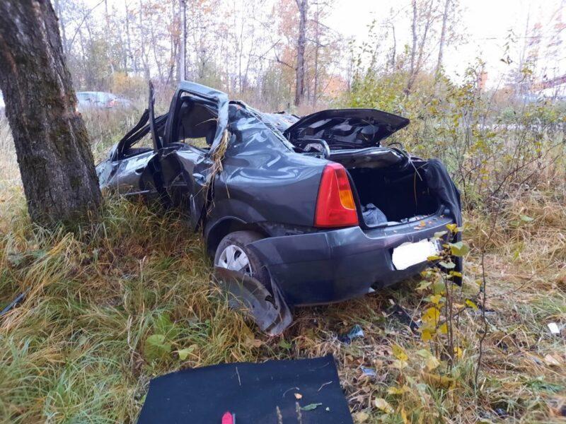 В Тверской области мужчина не справился с управлением автомобиля и сломал позвоночник
