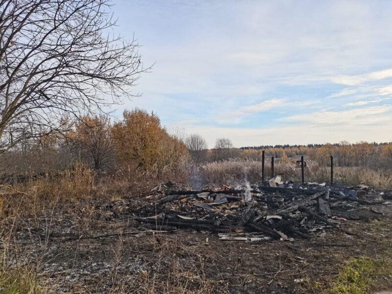 В Тверской области при тушении пожара спасатели обнаружили тело мужчины