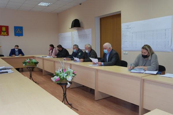 Планы по ремонту дорог обсудили в Бологовском районе
