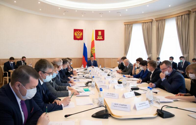 На совещании правительства Игорь Руденя обсудил развитие Верхневолжья