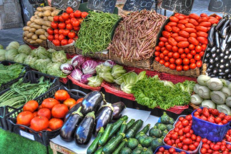 В Конаково проходит сельскохозяйственная ярмарка