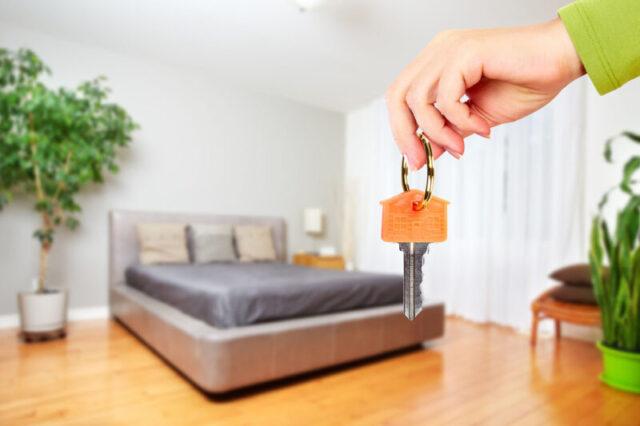 Жительница Твери решила сдать квартиру и лишилась денег