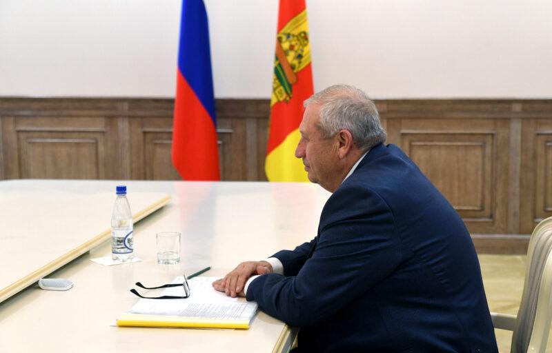 Игорь Руденя и Николай Баранник обсудили завершение восстановительных работ в Андреаполе