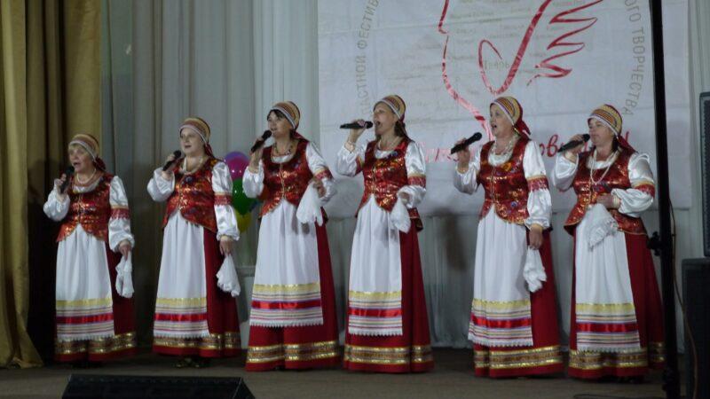 В Максатихе проходит фестиваль сельских коллективов «Здравствуй, провинция!»