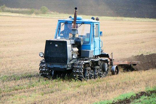 В Тверской области мужчина украл аккумулятор для трактора