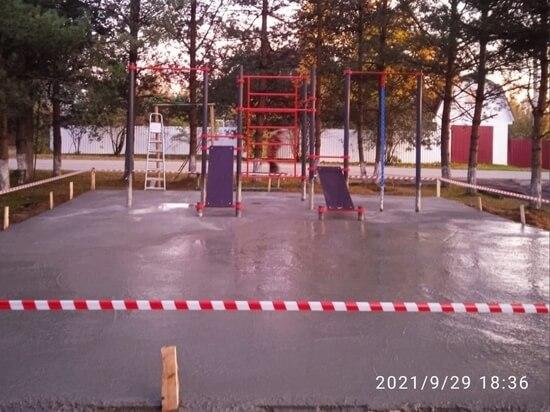 В Оленино сделали тренажерную площадку