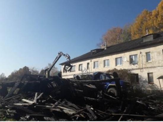 В Тверской области после пожара начали уборку территории