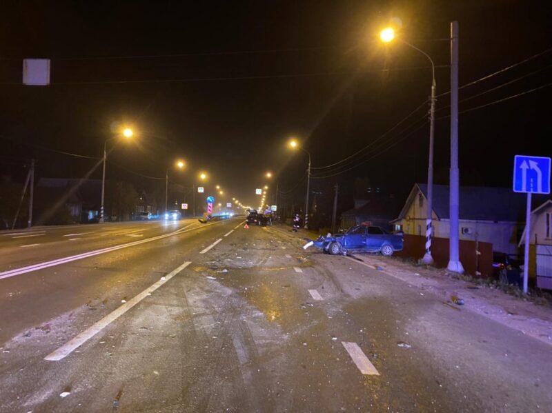 В Тверской области в аварии погиб водитель и серьезно пострадала женщина-пассажир