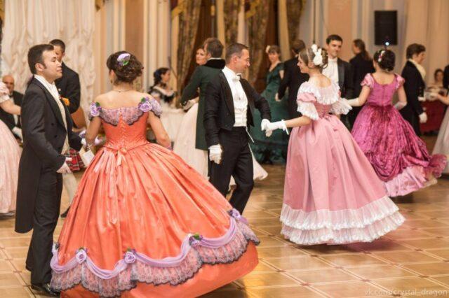 Танцы Пушкинской эпохи устроят в ДК «Химволокно»