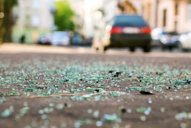 На дороге под Тверью автомобиль перевернулся на крышу