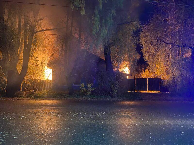 В Тверской области горело заброшенное здание